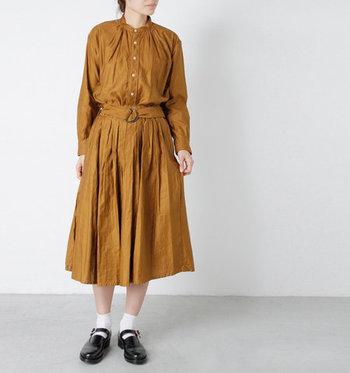 始めから洋服とセットになっているベルトやリボンなら、ウエストマーク初心者でも扱いやすいはず。ベルト合わせが上手くいかないという方は、セットアイテムを選ぶところから始めてみましょう。