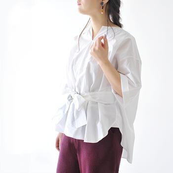 お気に入りの洋服を合わせてみたけど、なんだかバランスが悪く感じる。そんなときにはウエストに、プラスひと手間のテクニックを施してみましょう。ちょっとしたポイントを押さえるだけで、コーデのバランスをグッとアップさせるウエストマークの活用法をご紹介します。