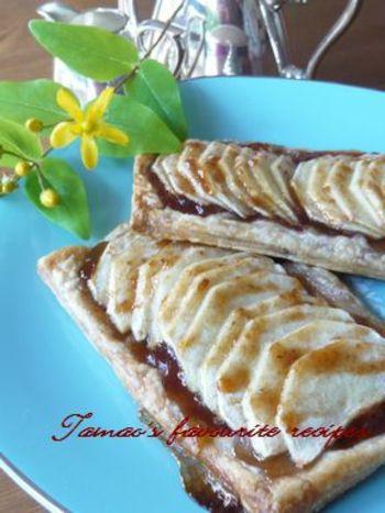 冷凍パイシートで作れる簡単パイレシピ!りんごをスライスしてのせて並べて、あとはオーブンにおまかせ♪