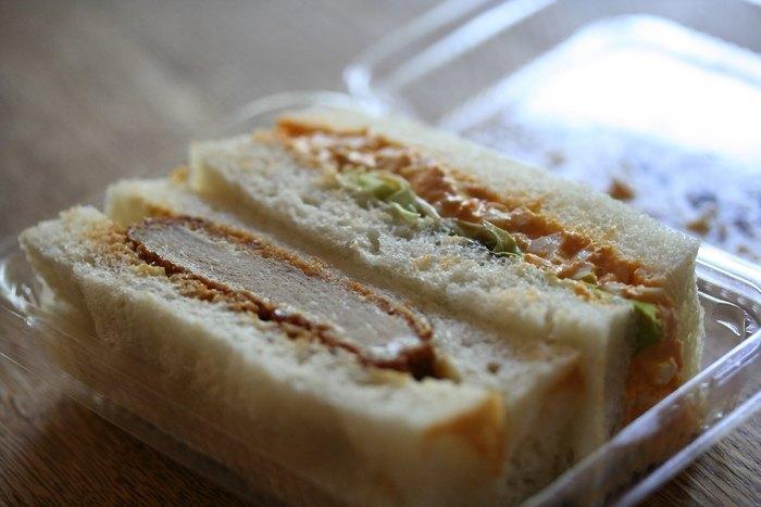 焼き立てのパンや、食べやすいサンドイッチなら朝ごはんも摂りやすいですよね。 朝食はもちろん、ランチ用に買ってもいいですね。