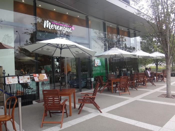みなとみらい線の新高島駅から徒歩で5分の所にあるのが「メレンゲ みなとみらい店」です。メレンゲでは、ハワイアンカフェで、横浜に居ながらにしてハワイ料理やハワイアンスイーツを味わうことができます。