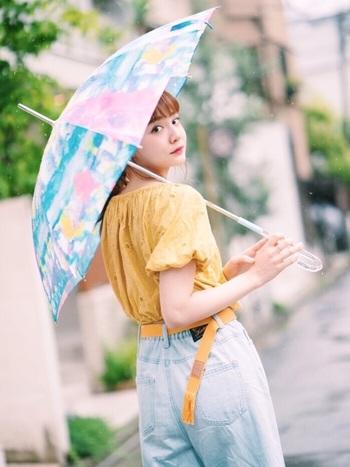 ステキな傘が1本あれば、憂鬱だった雨の日も傘を持って楽しくお出かけできそう。コシラエルの傘はすべて修理が可能なので、何年も長く使って愛着を深めてみませんか?