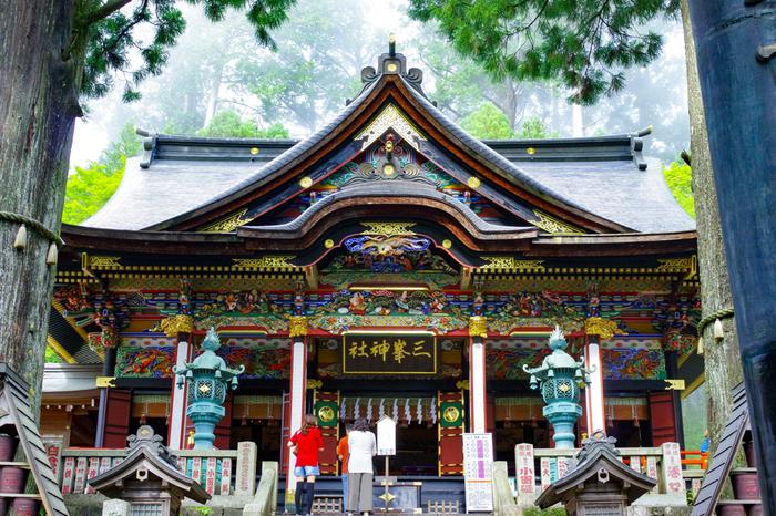 日本武尊が創始したと伝えられる、関東屈指のパワースポット。秩父三社の中では秩父神社に次いで歴史があり、古くから神聖な修行の場とされてきました。