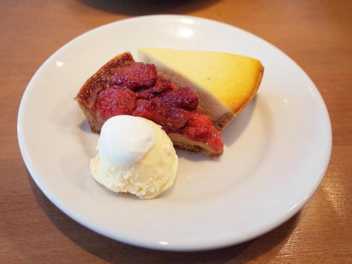 お料理やコーヒーもおすすめですが、「タルトが絶品!」という人気のタルトも一度お試しください♪甘みと酸味が絶妙な焼きイチゴのタルトもおすすめです。