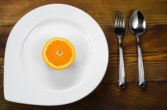 """ダイエット中にも関わらず、どうしても甘い物が食べたくることもありますよね。我慢のし過ぎで爆発するくらいなら、いっそのこと""""ヘルシーなスイーツ""""限定で甘い物を補給しましょう!"""