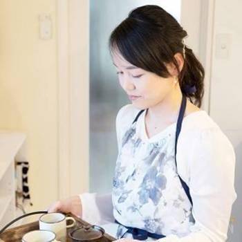 現役の医師でありながら、料理家としても活躍。二人のお子さんを持つお母さんであり、妻でもある栁川さん。シンプルな料理をよりおいしく!をモットーに、毎日食べても飽きないおうちごはんを目指しています。
