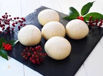 豆乳をパン作りに使うのは聞いたことありますが、こちらは豆腐そのものを使ったパンレシピ。パン作りをしている方はぜひ一度挑戦してみては?