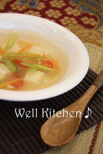 さっぱり味の中華風スープは濃い味の料理との相性も◎ 優しいお味で、小さなお子様からお年寄りまで、みんなに喜んで食べてもらえそう。