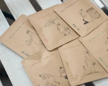 夏場は麦茶派という方も、来客用の良い日本茶が余っていたら、香りが飛ぶ前に冷茶にするのがおすすめです。