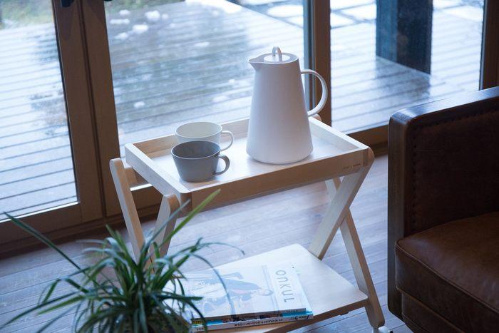 旭川家具の「cosine(コサイン)」とコラボして作った、「SUU」別注アイテム。お家のどこにでも使えるテーブルワゴンです。