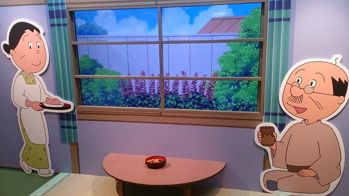毎年夏に開催される「アニメサザエさん展」では、サザエさんの原画とアニメの世界が楽しめます。誰もが一度は見たことがあるアニメの懐かしさに友人とのおしゃべりも弾みそう。