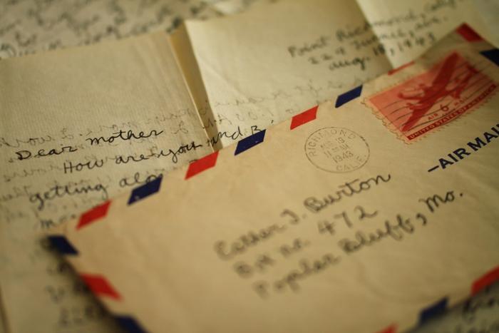 あえての遠回り。相手の顔を思い浮かべながら、心温まる手紙を書いてみませんか?