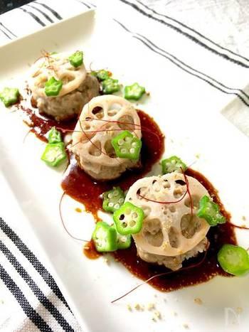 フードプロセッサーがあれば豚こま肉で簡単にひき肉が作れます。色々な部位のお肉を常備するのは大変ですが、豚こま肉をアレンジすることで料理の幅が広がりますね。 中華風のタレは、白ごはんとも相性がよさそう♪ 甜面醤がないときは、味噌と砂糖で代用してもOK。