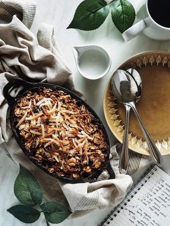 栄養を豊富に含むオートミール。オーブンで焼けば、クッキーのように香ばしく!キャロットケーキ風にすることで、子供でも食べやすいレシピに♪