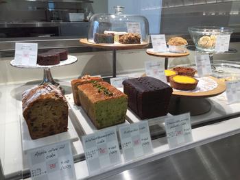 他にもたくさんの素敵なケーキが!これでオーガニックだなんてとっても嬉しいですよね。