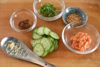 そのほか大根おろしやわさびなど…。忙しい日のご飯でも、美味しいひと工夫を加えてくださいね。