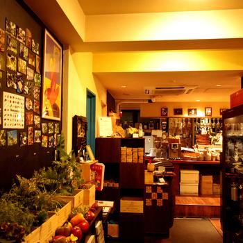 練馬駅を降りてすぐの場所にある「ボンクラージュ」は、お店から5分の場所にある畑で取れた新鮮野菜を使った料理が楽しめるお店です。