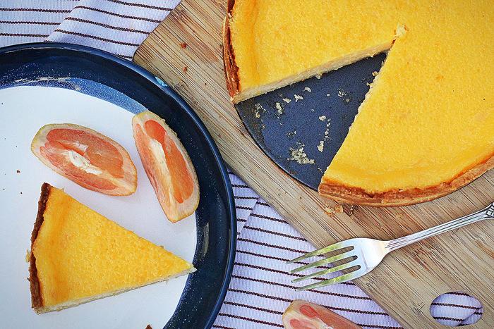 オレンジとグレープフルーツは、実ははちみつとの相性もぴったりです。甘さの調節もできますので、酸っぱいものが苦手という方はぜひ自分好みの甘さに調節してみてくださいね。爽やかでフレッシュなカラーのスイーツは、見ているだけで元気になれそう♪