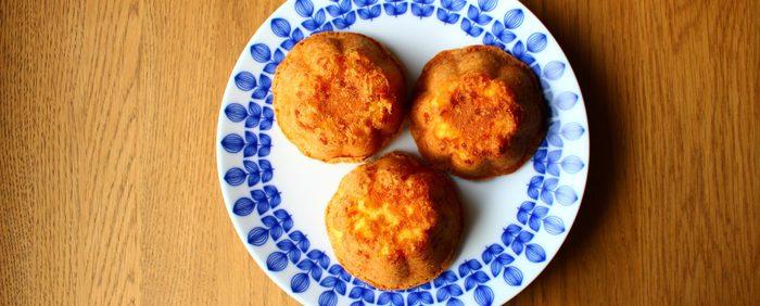 ちょっとしたプレゼントにもおすすめのカップケーキスタイル。オレンジピールを使うので、買い置きしておけばあとは楽々。アルミのゼリーカップで焼き上げる、思いついた時にすぐに作れる可愛いケーキです。