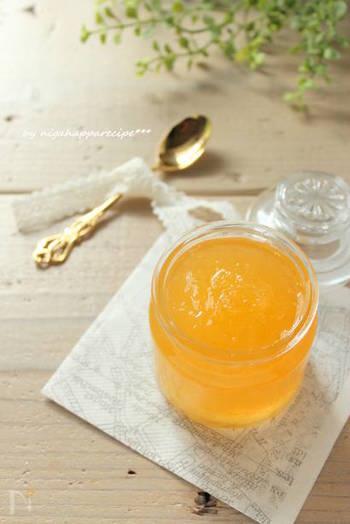 オレンジだけでなく、グレープフルーツでもジャムは作れます。お店で見当たらない時などに、手作りジャムに挑戦してみるのも良いですね。材料はグレープフルーツとお砂糖のみ。ヨーグルトに入れれば、それだけで爽やかスイーツの完成です♪