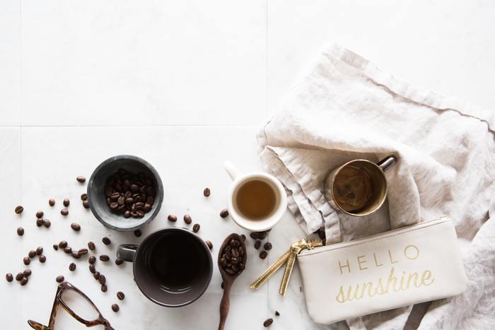 香り高いコーヒーが好きだったとして、1日に5杯6杯と飲んでいてはやはり消費が多くなってしまいます。特にリラックスしたい時や疲れを感じた時にだけ本当にいい豆を挽く、それ以外はインスタントを活用するなどシチュエーションによって使い分けるのも手です。