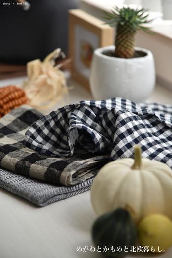 fog linen workのキッチンクロスも吸水性が良く使いやすいリネンクロスです。ナチュラルで定番柄が揃うので、コーディネートしやすいでしょう。