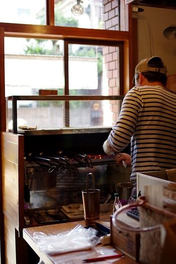JR吉祥寺駅、南改札・西改札から徒歩6分のところにある「たいやき そら」。その名の通り「たい焼き」専門店なのですが、夏の期間はたい焼きをお休みして「かき氷」を提供しています。