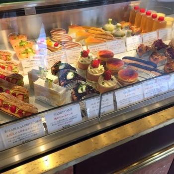 「フランス人が食べて美味しいと思う」にこだわったスイーツの数々は、見ているだけでも幸せな気分になりますね。