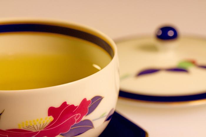おいしい緑茶を淹れるには、正しい手順を踏むことはもちろんですが、いくつかのコツを知っておくことも大切です。決して難しいことではなく、ちょっと頭に入れておくだけでぐっとおいしいお茶が淹れられるようになりますよ♪