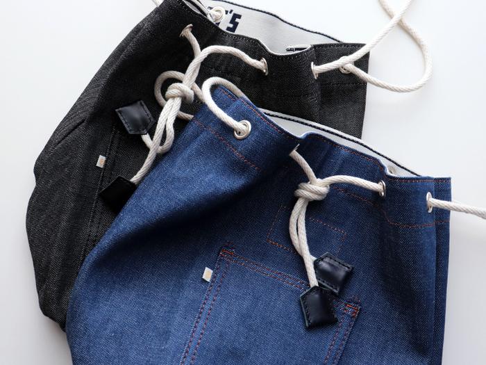 デニム素材のバッグは気軽に使えるだけでなく、オシャレのアクセントとしても優秀。ちょっとしたお出かけにぴったりなものから旅行用まで。おすすめをご紹介します。