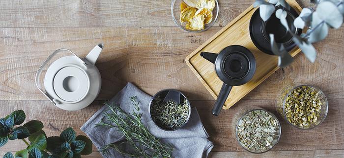 お茶を淹れるための必須アイテム、急須やポット。見た目が素敵だったり、使い勝手が良かったり、お気に入りのものを揃えれば、お茶を淹れる時間がますます楽しくなりそうですね♪そんなオススメの茶器をご紹介します。