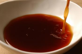 よくある失敗の一つが、麹の芯が残ってしまうこと。1~2週間経つのに芯が残っているような状態の場合は、醤油が足りないことが原因として考えられます。