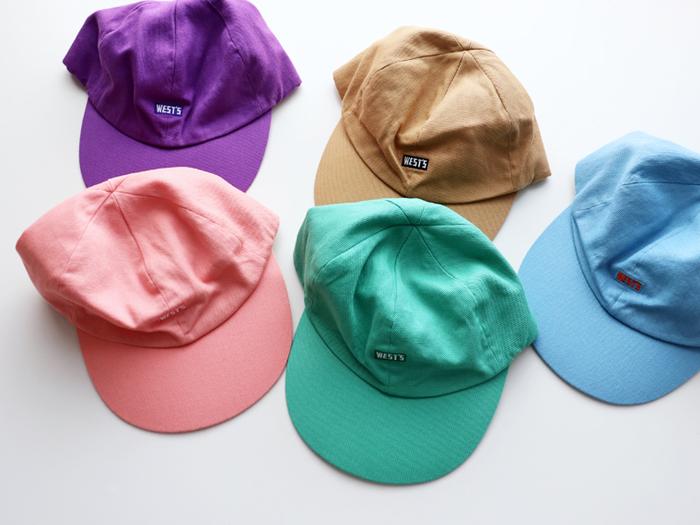 UV対策としても、アウトドアには欠かせない帽子。どうせ選ぶなら、やっぱりおしゃれな物を選びたいですよね。「WESTOVERALLS(ウエストオーバーオールズ)」のキャップは、全5色のカラフルさが魅力。 アクティブに動きたい日にはもちろん、普段使いにもぴったりなシンプルデザインです。