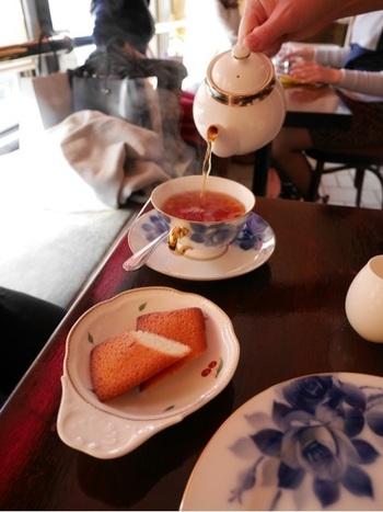 もちろんコーヒーが飲めない人も大丈夫♪紅茶など、コーヒー以外のドリンクも揃っています。吉祥寺好きなら一度は訪れておきたい「名店」ですね!