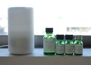 無印良品のエッセンシャルオイルなら、上質な香りをお手軽に楽しむことができるのでおすすめ。安眠作用があるオイルでは、ラベンダーやベルガモットなどが人気です。