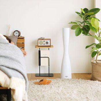 美しいフォルムの家電製品は、インテリアの強い味方でもあります。超音波式でミストを作るタイプは非常に静かで、温度も高くならないので安全安心です。好きな香りをセッティングすれば、香りのミストを楽しむことができます。