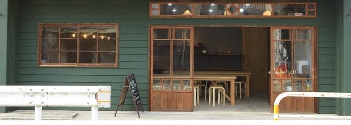 長谷寺の交差点付近に位置する「陶工房DAN」。