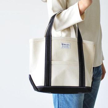 """丈夫でハリのある帆布で作られた「キャンバスバッグ」は、ナチュラルな見た目と優れた耐久性が魅力です。シンプルで使い勝手が良いいことから、ついつい""""とりあえず""""のバッグになっていませんか?"""