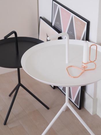 ブロガーさんたちにも人気のHAY(ヘイ)サイドテーブル。持ち運びしやすい持ち手がアクセントになったデザインで、軽いのに安定感があります。大小2サイズを揃えている方が多いよう。