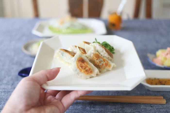 おうちで手作りが一番。餃子作りにお役立ちなキッチン道具あれこれ<焼き方・包み方ガイド付き>