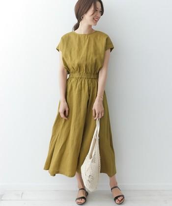 ロング丈のスカート&ワンピースは、春から引き続き、この夏も注目のアイテム。暑さが気になるこれからの時期、サラリと心地よいリネン素材で涼やかにトレンドを取り入れませんか。