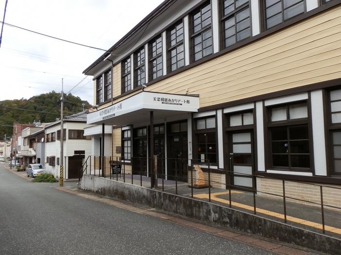 昭和16年頃に建てられた木造の建物も、レトロな雰囲気で◎国の登録有形文化財に指定されているそうですよ。
