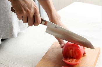 今回はそんなお料理の質を上げる、デザイン、機能性ともに優れたおすすめの包丁をご紹介いたします!