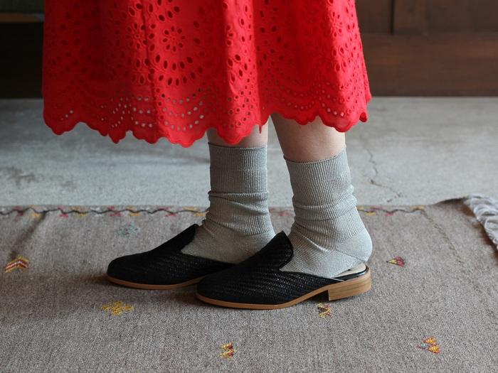 お気に入りの一足は見つかりましたでしょうか。ちょっぴり個性的なサンダルがあれば、夏のオシャレはグッと楽しくなります。ぜひ自分だけの一足をワードローブに迎え入れてくださいね。