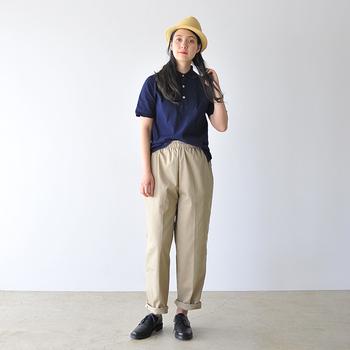 きちんと感とカジュアル感を兼ね備えた「ポロシャツ」は、大人の着こなしの頼れる一着になります。ぜひこの夏のワードローブに一枚加えて、Tシャツ感覚でデイリーに楽しんでみてはいかがでしょうか。