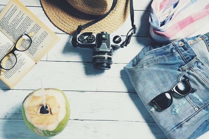 荷物を出来るだけ最小限に納めたいときこそ、1枚の洋服でどれだけコーデを組めるか、着こなしが出来るかをじっくり考えるときです!コーデも決まって荷物もコンパクトなら、旅行の楽しさも無限大ですね♪ぜひ、旅にぴったりの着まわせるアイテムを探してみてください。