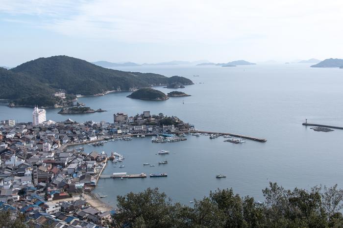 そして、この美しい港の景色は…映画「崖の上のポニョ」や「ウルヴァリン SANURAI」、ドラマ「流星ワゴン」や「龍馬伝」などのロケ地としても使われています。