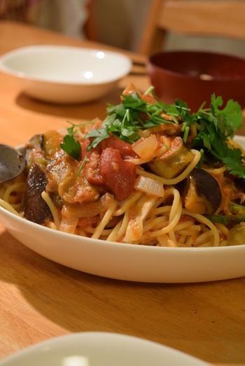 イタリアンパセリはパスタにもよく合います。ちょこんと添えるだけで、彩りや味わいに変化がでます。少しだけ使いたいという時も、自宅で育てていれば必要な分だけ収穫できて◎
