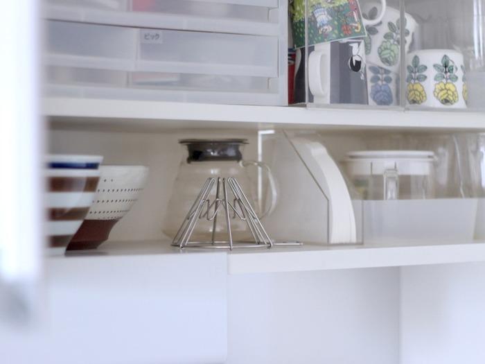 サイズも使うシーンもバラバラのキッチンツールやテーブルウェア、調味料。その片付けポイントは、使うシーンに合わせて収納すること。 今回はキッチンを3つのエリアに分けて、どのエリアでどんな作業するかを前提に、収納のコツをご紹介していきたいと思います。