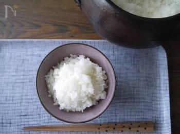 日本の食卓に欠かせない、炊きたてご飯。 ふっくらツヤツヤの美味しいご飯を食べると、どこか幸せな気分になりますよね。
